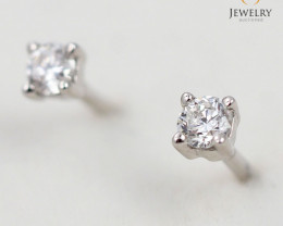 18 K White Gold Diamond earrings  E10626