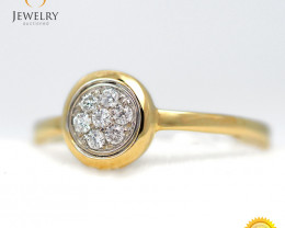 Stylish Modern 18 K Yellow Gold Diamond Ring size 7 R11622