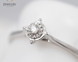 Stylish Modern 18 K White Gold Diamond Ring size 7 R11352