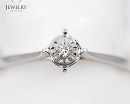 Stylish Modern 18 K White Gold Diamond Ring size 6.5 R11352