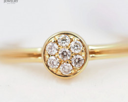 Stylish Modern 18 K Yellow Gold Diamond Ring size 7 R11842
