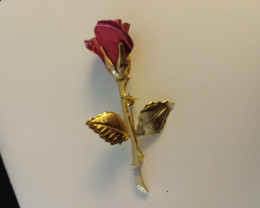 VINTAGE RED ROSE & GOLD MONET PIN / BROOCH