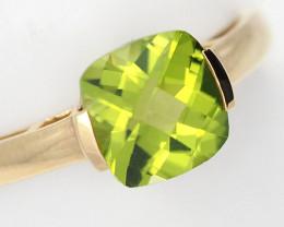 Stylish Modern 14 K Yellow Gold Peridot Ring size 7 R2626 2400 Y