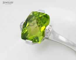 Stylish Modern 14 K White Gold Peridot & Diamond Ring size 7 R10810