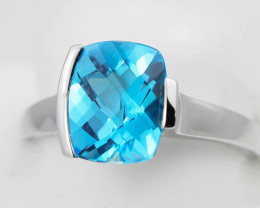 Stylish Modern 14 K White Gold Blue Topaz Ring size 7 R10712