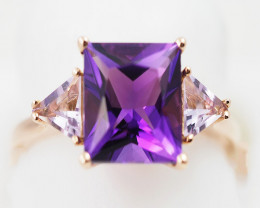 Stylish Modern 18 K Rose Gold Amethyst Ring size 7 R11962