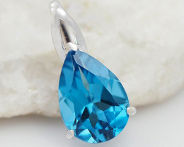 18 K White Gold Blue Topaz Pendant P11374