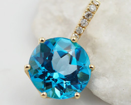 18 K Yellow Gold Blue Topaz & Diamond Pendant P8930C