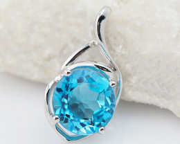 18 K White Gold Blue Topaz Pendant P11372