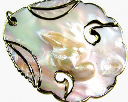 PEARL SHELL PENDANT 63 CTS [MX1532 ]