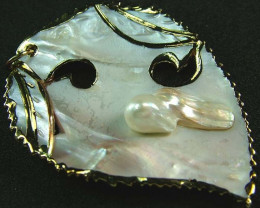 PEARL SHELL PENDANT 47 CTS [MX2078 ]