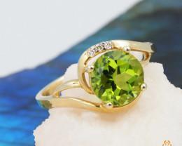 14 K Yellow Gold Peridot & Diamond Ring size 6.5 - A R7546 3560
