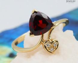 18 K Yellow Gold Garnet & Diamond Ring size 6 - A R6497 3400