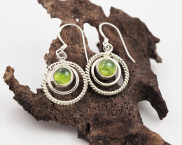 Peridot earrings sheppard hook   AM585