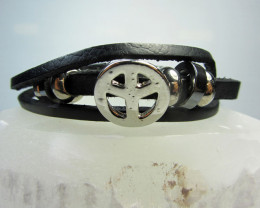 ONE BLACK LEATHER PEACE SYMBOL BRACELETS QT 523