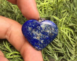 45 Ct Of Natural Heart Shape Lapis Lazuli Pendent