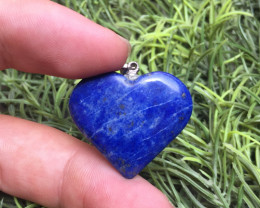 32.70Ct Of Natural Heart Shape Lapis Lazuli Pendent With Silver