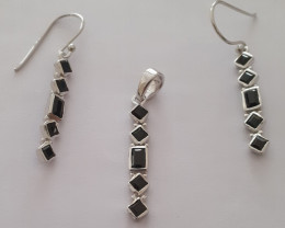 Black spinel 925 Sterling silver (earring and pendant set) #33469