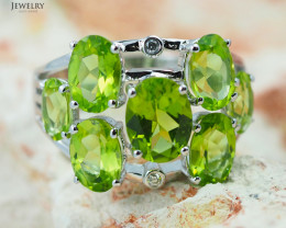 14 K White Gold Peridot & Diamond Ring size 7.25 - R 9114 6550