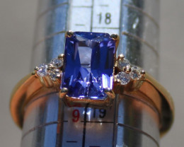 Tanzanite 2.89ct and Diamonds 18K Solid Gold Ring, Certified and Appraised