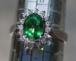 Tsavorite 1.35ct Diamonds 18K Solid Gold Ring, Certified and Appraised, RSP