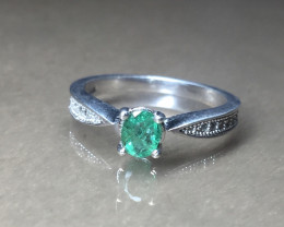 100% Natural Emerald 925 Sterling white rhodium silver ring
