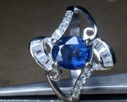 Natural Blue sapphire 1.68 cts 925 Sterling white rhodium silver ring