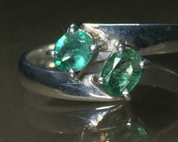 100 % Natural Emerald white Rhodium 925 Sterling silver ring