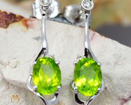 18K White Gold Peridot & Diamond Earrings - D E11446