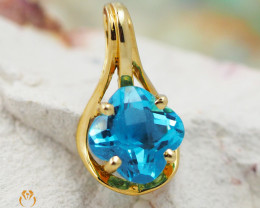 18K Yellow Gold Blue Topaz Pendant - D P11369