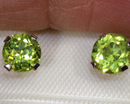 2.70 CTS PERIDOT EARRINGS SG-39