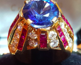 Wonderful 18 kt solid yellow gold Ring with Natural Diamonds and Rubies
