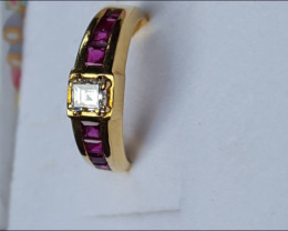 Made in Italy  18 kt yellow solid gold Diamond and Rubies Ring