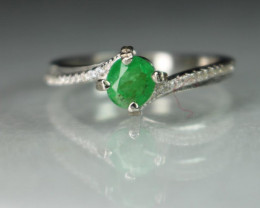 100 % Natural Emerald 925 Sterling white rhodium silver ring