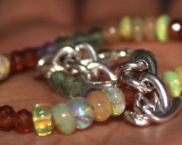 17 Crt Natural Welo Opal Apatite Garnet & Amethyst Beads Bracelet 340