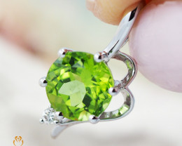 14K White Gold Peridot & Diamond Pendant - 67 - D P11180 1550