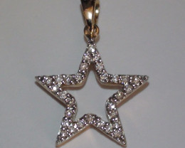 Stunning 14 k Solid Yellow Gold Star Genuine Diamond Pendant
