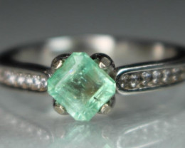 Natural Emerald 925 Sterling white rhodium silver ring