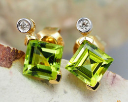 14 K Yellow Gold Peridot & Diamond Earrings - 41 - D E4557 1800