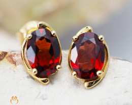 14 K Yellow Gold Garnet Earrings - 43 - D E11391 1300