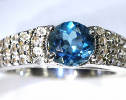20 CTS TOPAZ AND QUARTZ SILVER RING SG-2506