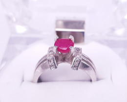 Natural Ruby Ring with Small Daimands