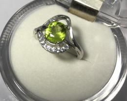Wow Very nice Beautiful Peridot With Zircon 925 Silver Ring
