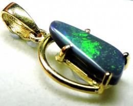 Australian Solid BlackCrystal Opal in 18k Yelow Gold sco 424