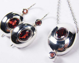 MATCHING GARNET GEMSTONE SILVER PENDANT N EARRINGS GRR 191