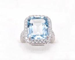 18ct White Gold Aquamarine and Diamond Ring