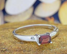 Natural Garnet 925 Sterling Silver Ring (SSR0548)