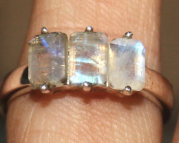 Natural Rainbow Moonstone 925 Sterling Silver Ring Size (US 7) 85