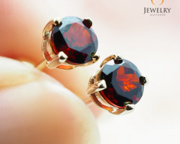10 K   Yellow Gold Garnet Earrings - 62 - E E4046 800 GARNET