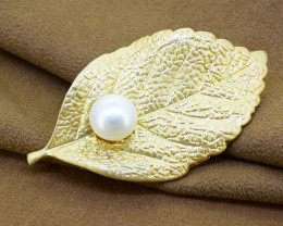 Elegant matt-finish metal & pearl Leaf brooch